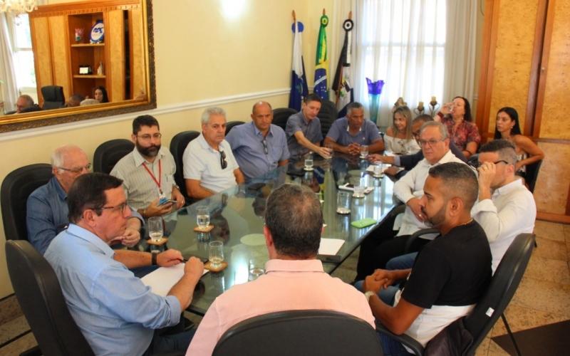 Prefeito Renato Bravo se reúne para discutir ações de prevenção ao novo Coronavírus